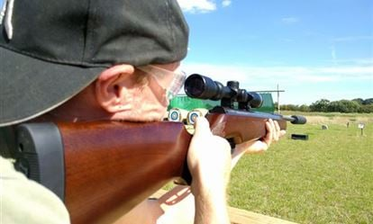 Air Rifle Shooting Experience with Exploding Targets for Two 1