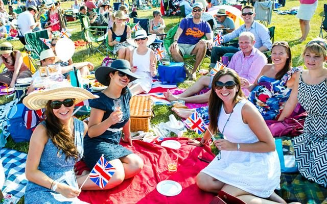 Deluxe Picnic at the Proms for Two 1
