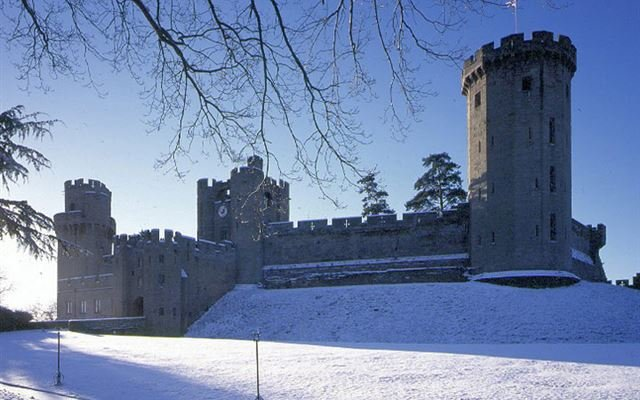 Entrance to Warwick Castle and Afternoon Tea for Two 1