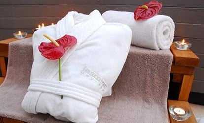 Half Day Spa with Beach Hut Experience at Three Horseshoes Inn 1