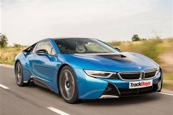 Driving Experiences in the new BMW i8 available!