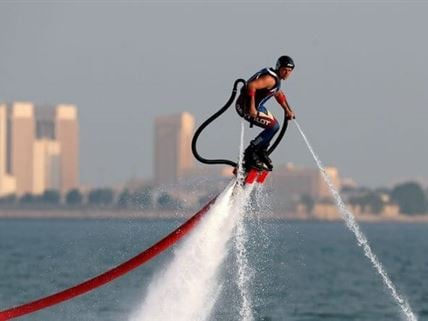 Flyboarding arrives at Trackdays