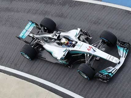 Hamilton hoping to land knockout blow in gripping title race