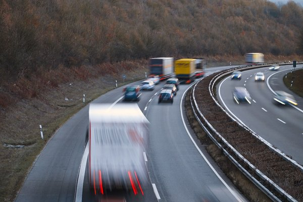Tailgating road accidents halve in five years