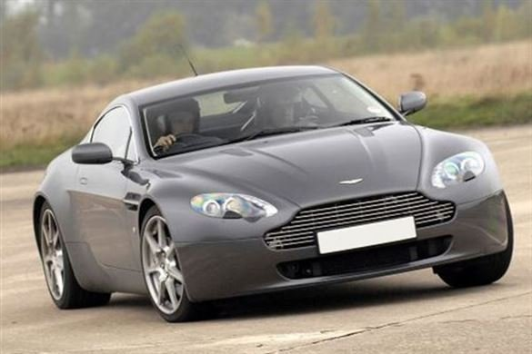 Aston Martin Thrill and Hot laps Driving Experience 1
