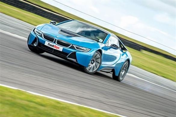 BMW i8 Driving Thrill Driving Experience 1