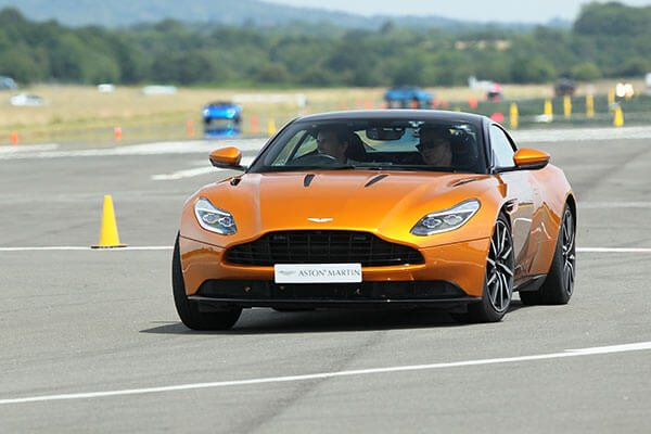 Aston Martin DB11 Thrill Driving Experience 3