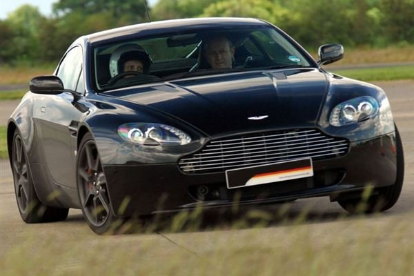 Aston Martin Vantage Driving Experience 1