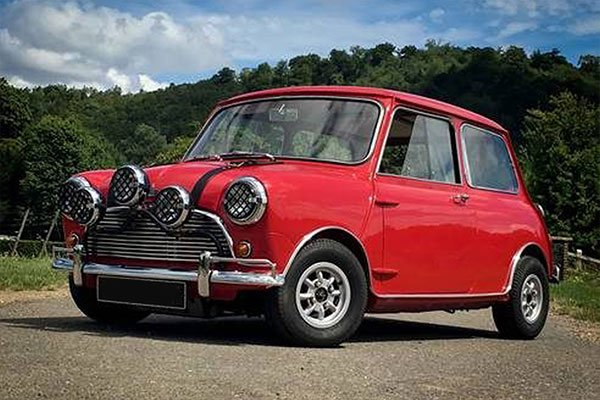 Five British Classic Blast with High Speed Passenger Ride Driving Experience 1