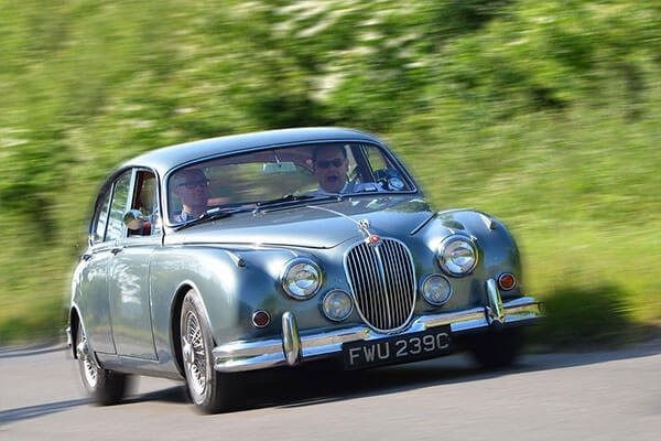 Full Day Classic Car Road Trip with Lunch Driving Experience 1