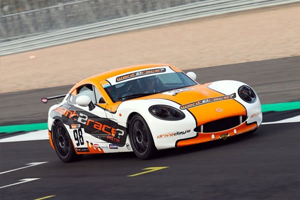 Ginetta G40 Arrive and Drive Experience Driving Experience 1