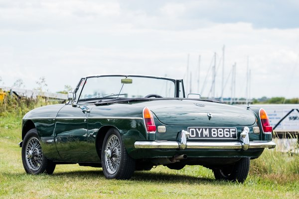 MGB GT/Roadster Classic Car Hire - Anytime Driving Experience 2