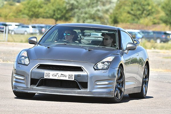 Nissan GT-R Blast Driving Experience 1