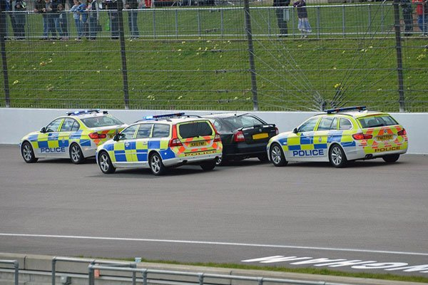 Police Getaway Thrill Driving Experience 1