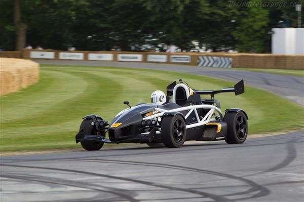 Double Supercar Experience at Goodwood Driving Experience 3