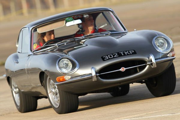 Ultimate Classic Car Thrill Driving Experience 2