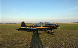30 Min Introductory Flying Lesson including Aerobatics For ONE Experience from Trackdays.co.uk