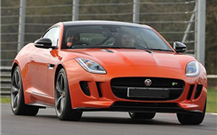 Jaguar F-TYPE R                                                                                                                                        Experience from Trackdays.co.uk
