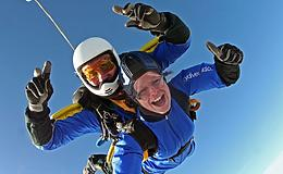 15000ft Tandem Skydive Experience from Trackdays.co.uk