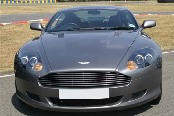 Aston Martin Thrill and Hot laps Driving Experience 2