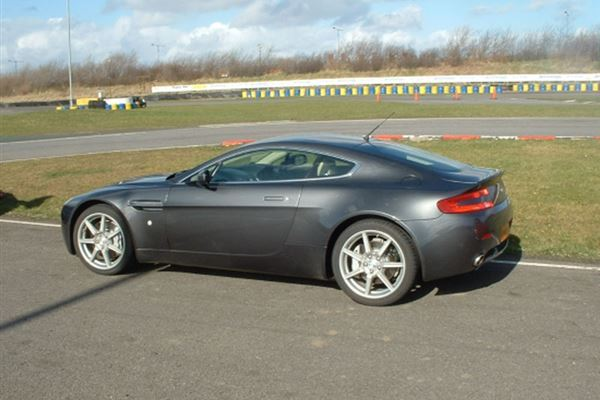 Aston Martin Thrill and Hot laps Driving Experience 3