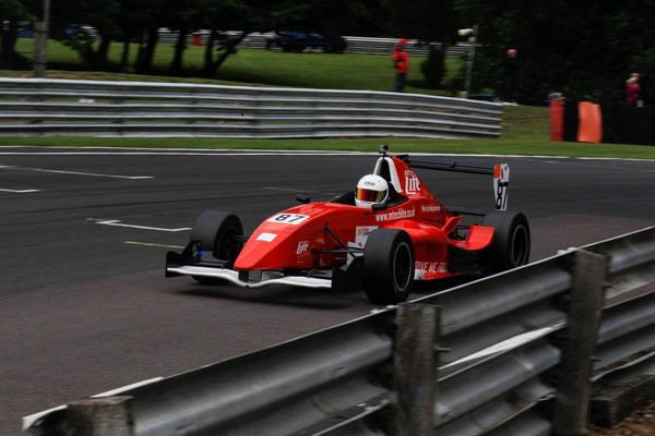 formula renault single seater experience from trackdays co uk rh trackdays co uk Renault Formula 1 2016 Formula Renault