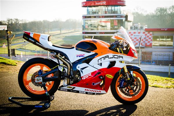Honda CBR600RR Track Day Bike Hire 1
