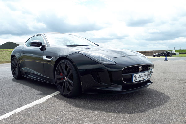 Junior Jaguar F-TYPE R Blast Driving Experience 3