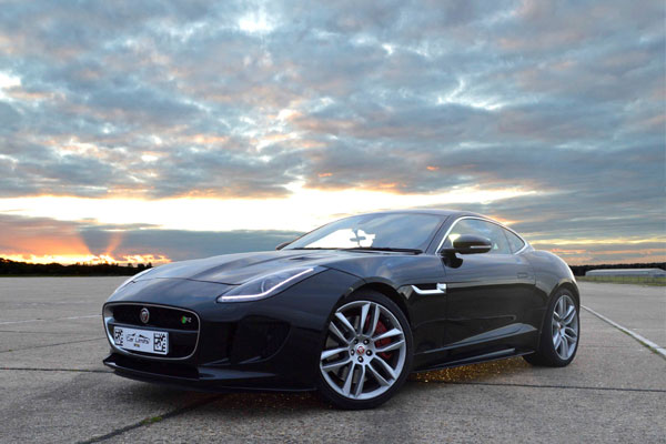Junior Jaguar F-TYPE R Blast Driving Experience 1