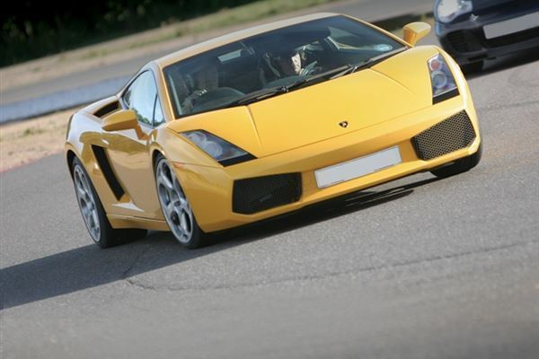 Triple Supercar Experience at Goodwood Driving Experience 1