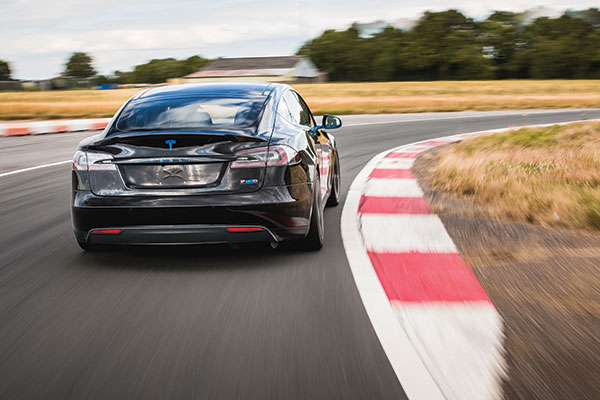Tesla Model S P90D Thrill Driving Experience 3